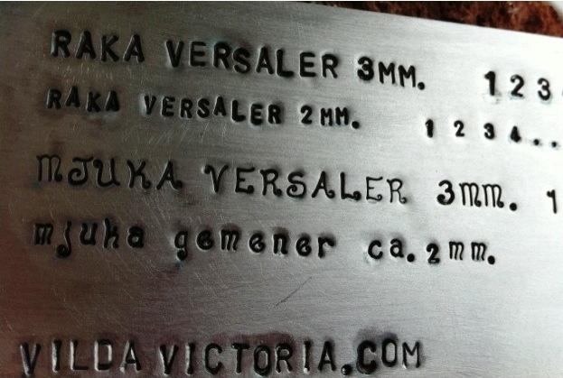 Versaler och gemener från silversmeden Vilda Victoria